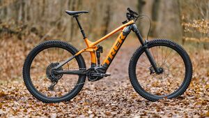 Megatest E-MTBs: Trek Rail 9